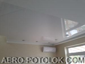 глянцевый потолок фото 10