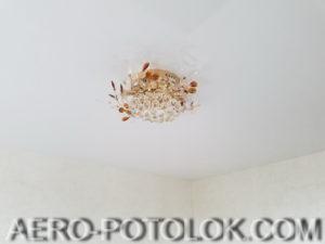 глянцевый натяжной потолок фото 7