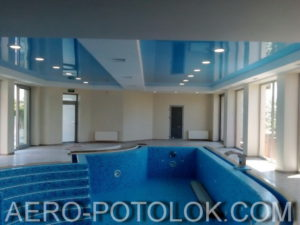 натяжной потолок в бассейн фото 1