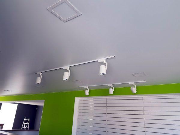 натяжные потолки в офис 1